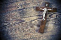 Schönes altes Kreuz mit Jesus Lizenzfreies Stockbild