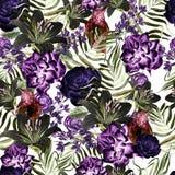 Schönes Aquarellmuster mit Pfingstrose und rosafarbene Blumen, Lilie und tropischer Vogel, Flieder und Blätter Stockbild