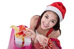 Schönes Asien-Frauenabnutzung Weihnachtsmann-Kostüm Stockfotografie