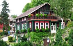 Schönes Bauholzhaus bei Wernigerode, Deutschland Stockbild