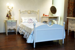 Schönes Bett stockbilder