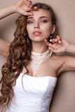 Schönes blondes Brautporträt im Studio Lizenzfreie Stockfotografie