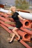 Schönes blondes an der contruction Site Lizenzfreie Stockbilder