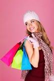 Schönes blondes Einkaufen Lizenzfreie Stockfotografie