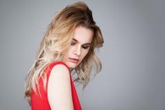 Schönes blondes Frauen-Gesicht Weibliches Modell Lizenzfreie Stockfotos