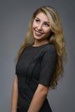 Schönes blondes Frauenportrait Lizenzfreie Stockfotografie