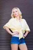Schönes blondes Mädchen Stockfotos