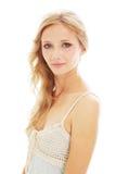 Schönes blondes Mädchen in den sundress stockbild