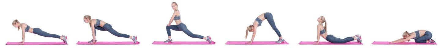 Schönes blondes Mädchen in der Sportkleidung tut Übungen auf Eignung Matte auf weißem Hintergrund Stellen Sie Sammlung ein Stockfotos