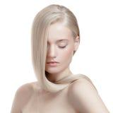 Schönes blondes Mädchen. Gesundes langes Haar Stockbilder