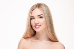 Schönes blondes Mädchen Gesundes langes Haar Lizenzfreies Stockfoto