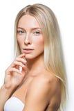 Schönes blondes Mädchen mit natürlichem Make-up Stockfotos