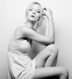 Schönes blondes Modell der Mode Lizenzfreie Stockfotos