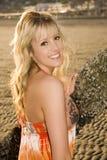 Schönes blondes Strandmädchen. Lizenzfreie Stockfotografie