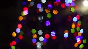 Schönes bokeh des Weihnachtsbaums stock video