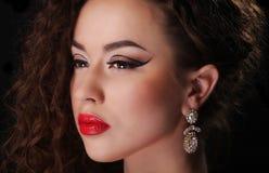Schönes Brunette-Frauen-Porträt Lizenzfreies Stockbild