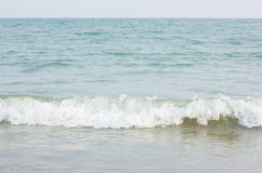 Schönes buntes Meereswogebrechen Stockfotografie