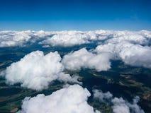 Schönes cloudscape im Himmel lizenzfreie stockbilder