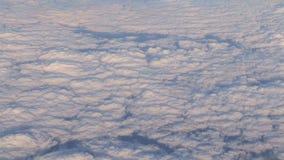 Schönes cloudscape von einem Flugzeug stock video