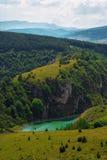 Schönes Dorf und Ferienzentrum in der unberührten Natur Lizenzfreies Stockfoto