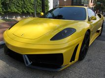 Schönes Ferrari-Sport-Auto Lizenzfreie Stockbilder
