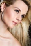 Schönes Frauen-Gesicht stockfoto