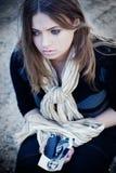 Schönes Frauenschreien Stockfoto
