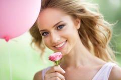 Schönes frohes Mädchen Stockbilder