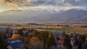 Schönes Gebirgsschattenbild von Spanien, nahe der kleinen Dorf Alpe lizenzfreies stockbild