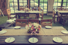 Schönes Gedeck für Ereignispartei oder Hochzeitsfeier Lizenzfreie Stockfotos