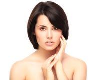 Schönes Gesicht der jungen Frau mit sauberer frischer Haut Lizenzfreies Stockfoto