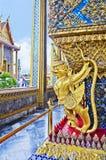 Schönes goldenes Garuda lizenzfreies stockfoto