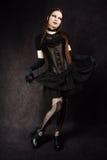 Schönes gotisches Mädchen mit Schwanverfassung Stockbild
