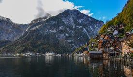Schönes Hallstatt-Dorf von Österreich lizenzfreies stockbild