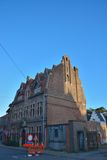 Schönes historisches Haus mit außergewöhnlichem Dach Lizenzfreies Stockfoto