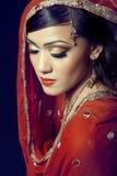 Schönes indisches Mädchen mit Brautverfassung Lizenzfreies Stockfoto
