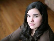 Schönes jugendlich hispanisches Mädchen stockbild