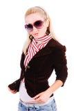 Schönes junges anziehendes Mädchen in der Jacke Lizenzfreie Stockfotos