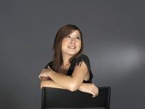 Schönes junges asiatisches Frauen-Denken Lizenzfreie Stockbilder