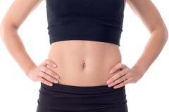 Schönes junges athletisches Mädchen des flachen Bauches Lizenzfreie Stockfotografie
