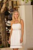 Schönes junges blondes Frauenportrait. Lizenzfreie Stockfotografie