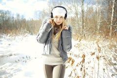 Schönes junges blondes jugendlich Lizenzfreie Stockfotografie
