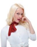 Schönes junges blondes weibliches Denken Lizenzfreie Stockfotografie