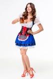 Schönes junges Brunettemädchen des oktoberfest Bierbierkrugs stockbilder