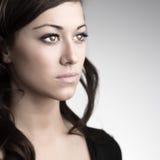 Schönes junges kaukasisches Frauen-Porträt Stockfoto