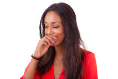 Schönes junges Lachen der schwarzen Frau Stockfoto