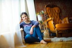 Schönes junges Mädchen Stockfotografie