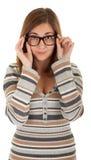 Schönes junges Mädchen in den Gläsern Lizenzfreies Stockbild