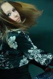 Schönes junges Mädchen im Studio Stockfotografie