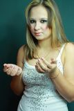 Schönes junges Mädchen im Studio Lizenzfreies Stockfoto